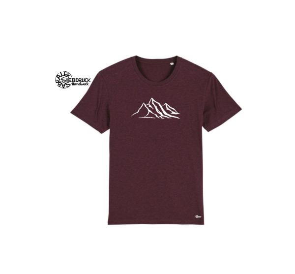 weiße Bergkette auf weinroten T-Shirt