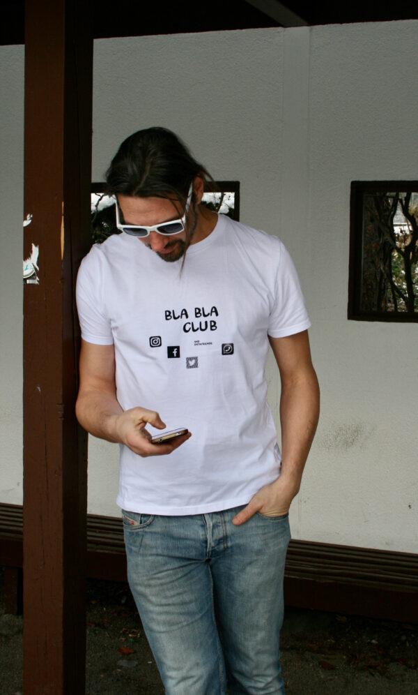 BlaBlaClub auf weißem Shirt