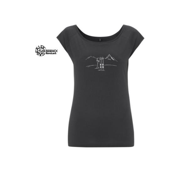 Skitourmotiv auf graphitfarbenen T-Shirt