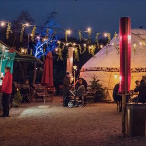 blick auf dem Winterzaubermarkt am Cafe Gans im Westpark